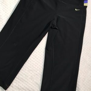 Nike dry fit black Capri pants size m